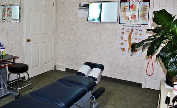 X-Rays <br/> One of the only local chiropractic offices with an x-ray machine.